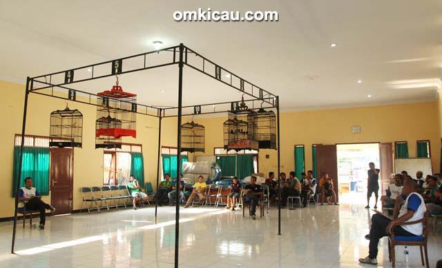 Suasana kontes kenari Launching PPK-2 Klaten