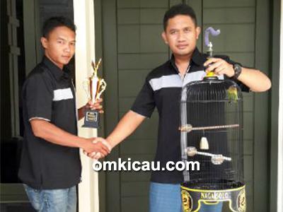 feat lovebird Putra Naga