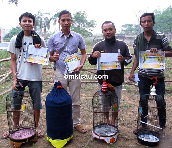 Juara 1,2,3,5 lovebird Kelas Bersama