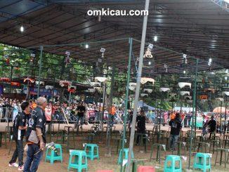 Suasana lomba burung berkicau Jayakarta Cup