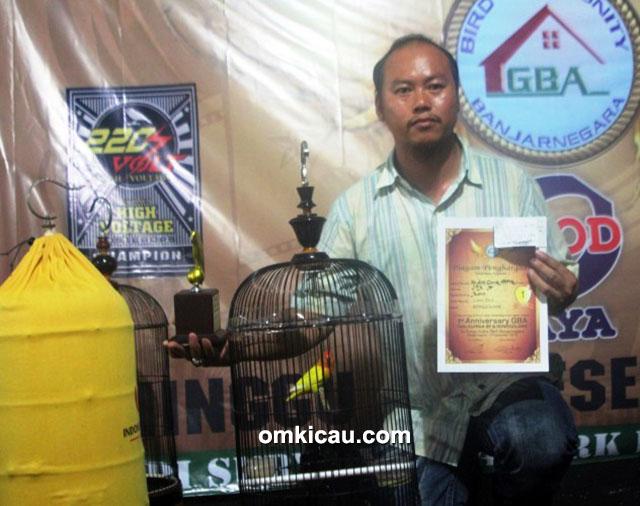 Om Arief (ASBF Jogja) dan lovebird Xena
