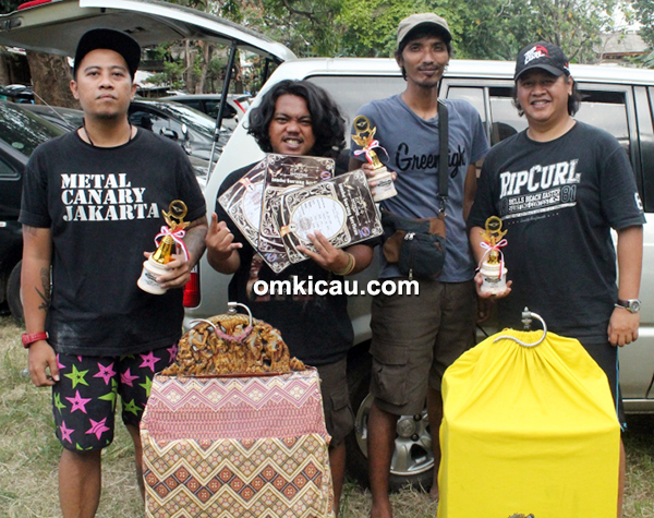Genk Benk SF dan Metal Canary