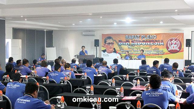 Suasana rapat pleno BnR Pusat di Bandung.