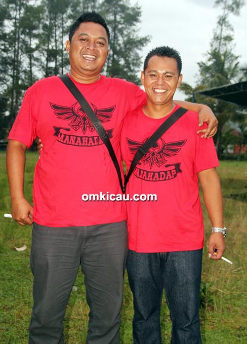 Om Suryo Keong (kiri) dan Om Agung Qipit