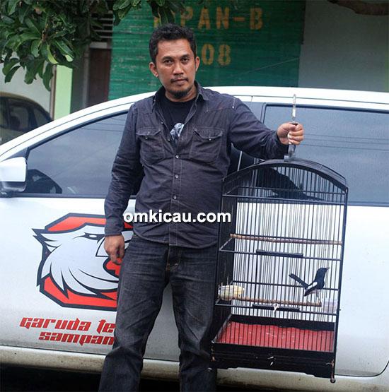 Om Helmy Suyuto dan kacer Black Eagle