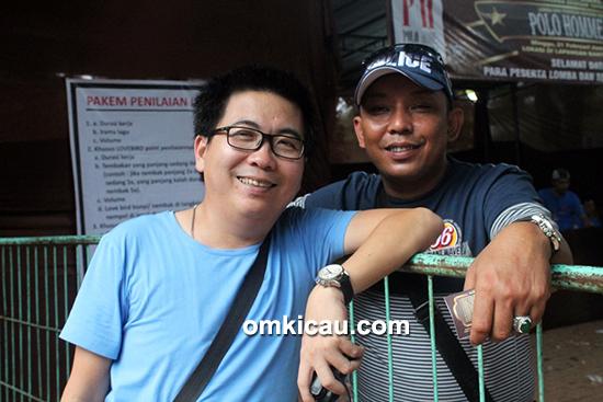 Om Daniel (kiri), pemilik murai batu Kitaro
