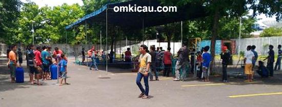 Kesibukan panitia Launching G-10 Papburi Tegal.
