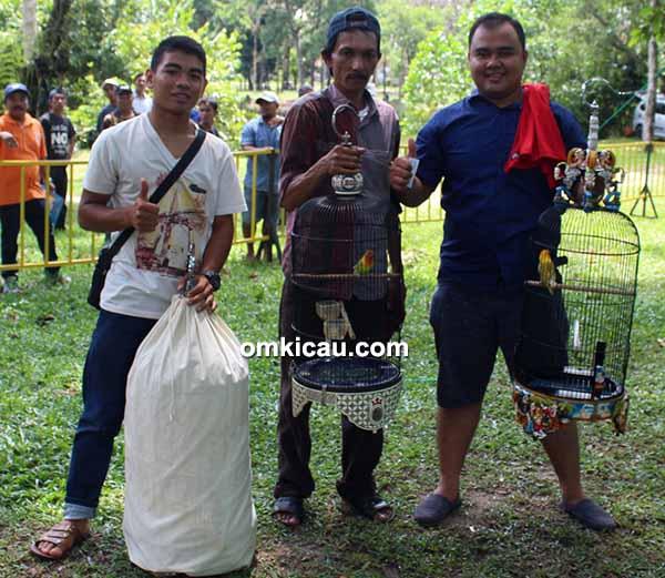 Festival Pekanbaru Berkicau - juara lovebird
