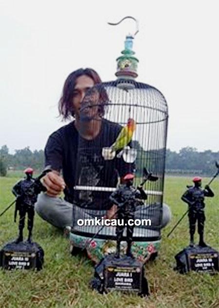 Lovebird Roro milik Om Danang Barker