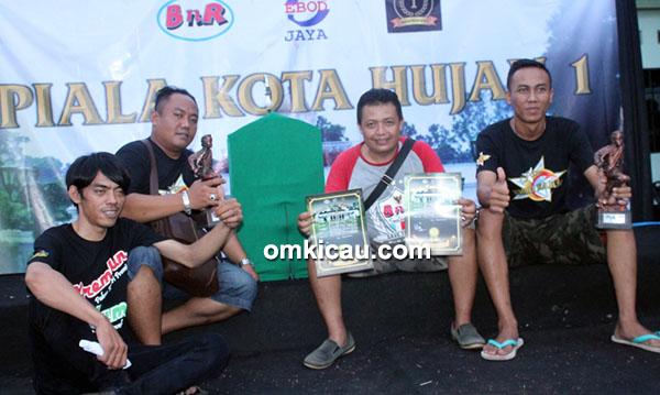 Om Pitax dan cucak hijau Cak Chu