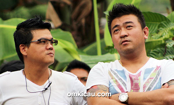 Om Hendi dan Om Joni Huang
