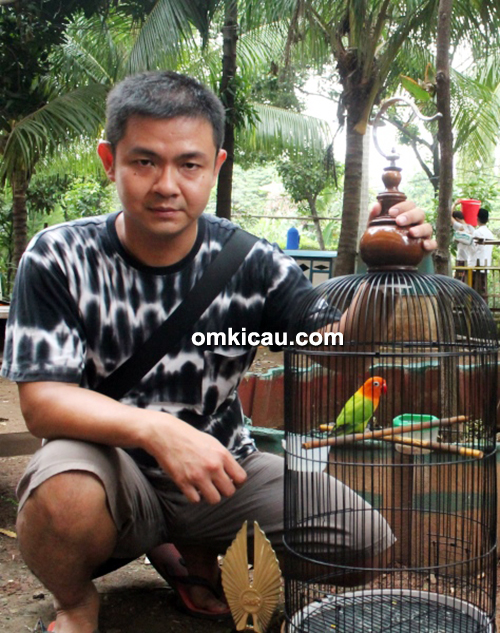 Om Aidy Wijaya dan lovebird Bionic