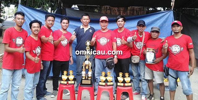 Om Adry bersama B16 Team
