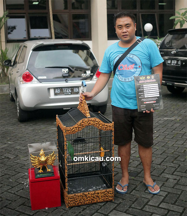 Om Sinyo dan cucak ijo Air Club