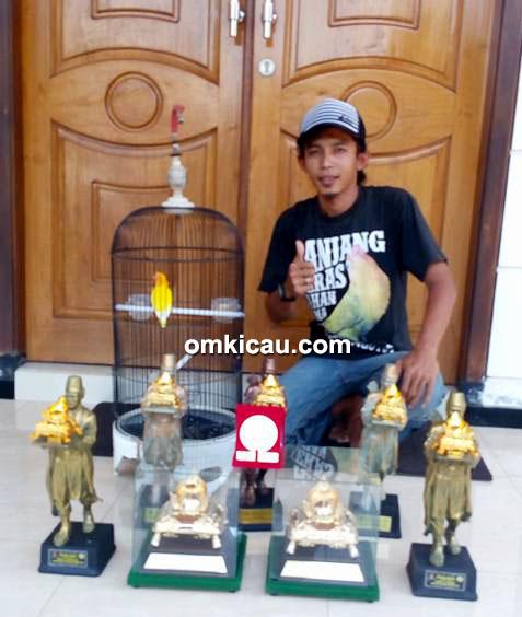 Om Erick dan lovebird Putri Dewi