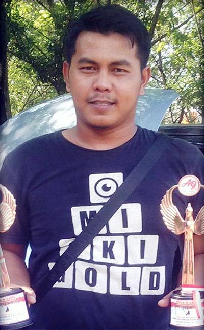 Om Jhon R