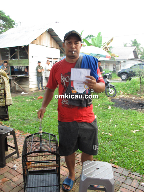 Kenari Bela milik Om Akuang Lim