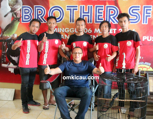 Om Hany Faroko dan kru Brother SF