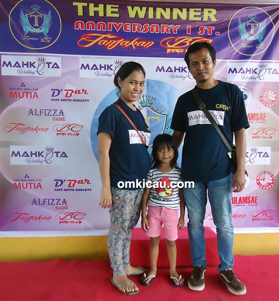 Om Yeyen bersama keluarga