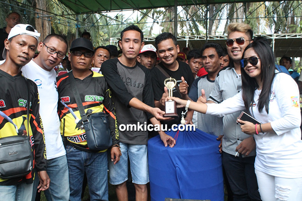 Lomba burung berkicau Piala Hello Kitty SF
