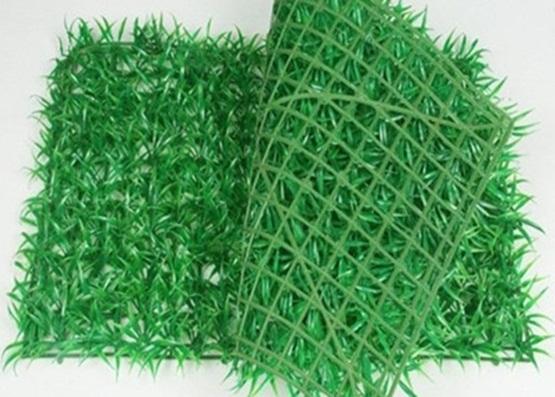 Rumput-rumputan plastik yang bisa dimanfaatkan sebagai ranjau burung