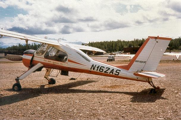 Pesawat Wilga yang dijuluki pesawat gelatik