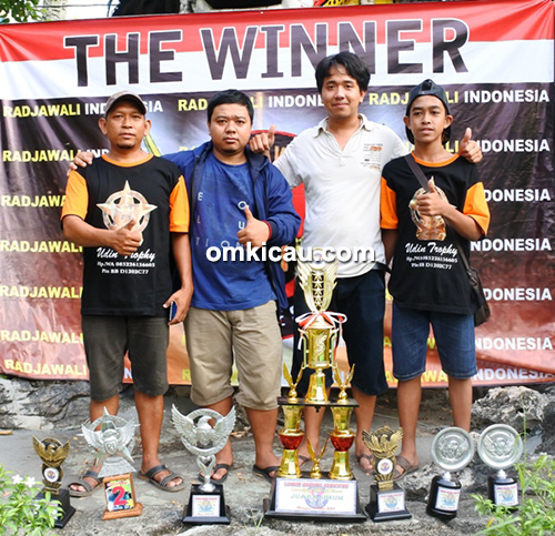 Duta Piala Nahkoda juara umum bird club (BC).