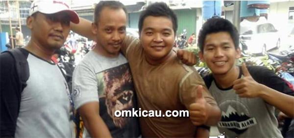 Om Purwanto dan rekan-rekan KATB sukses bersama anis kembang Plat AB