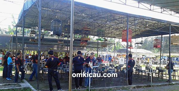 Parade Kicauan Bangkit Dewa 99