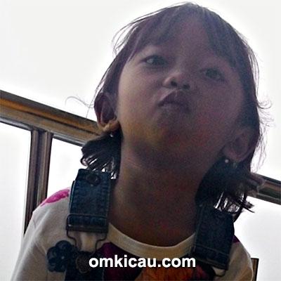 Putri Om Arif Puniko
