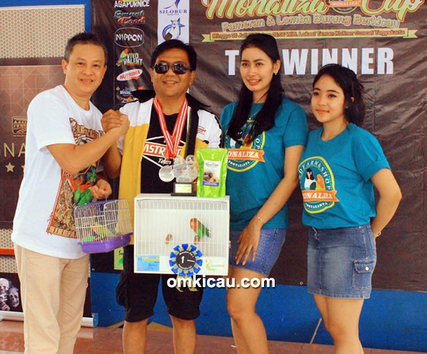 lovebird beauty contes Monaliza Cup