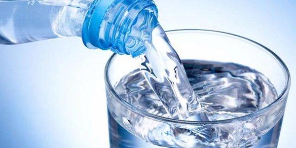 Air mineral yang umum diberikan pada burung piaraan