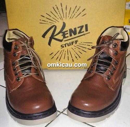 sepatu kulit Kenzi