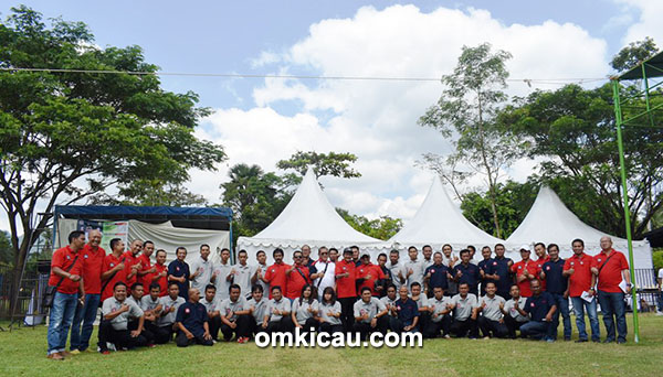Tim juri BnR Indonesia foto bersama Bang Boy.